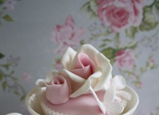 Beautiful Rose Cupcake