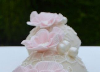 Frilly Flower Cupcakes