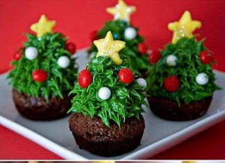 Merry Strawberry Cupcakes