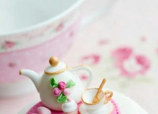 Tea For Mom Cupcake