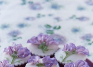 Violets Cupcakes