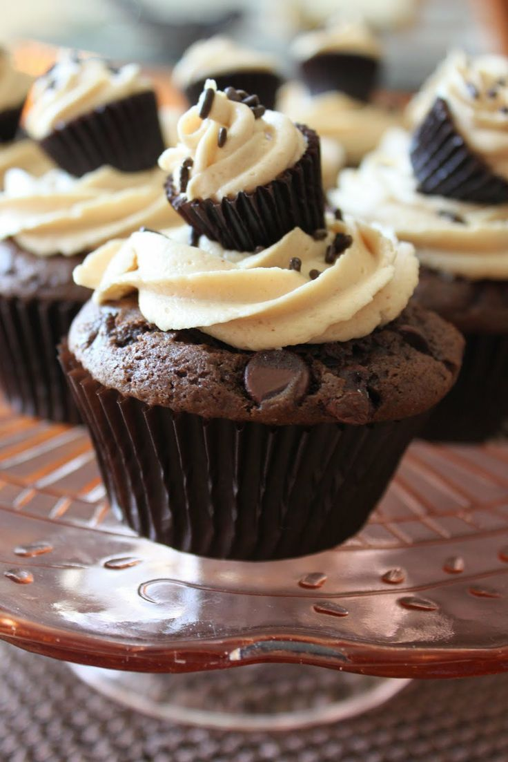 Chocolate Chips Double Cupcakes