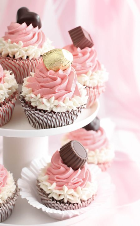 Chocolate Hat Pink Cupcakes