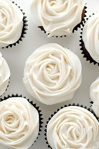 47 gorgeous wedding cupcakes cupcakes gallery classic white cupcakes junglespirit Images