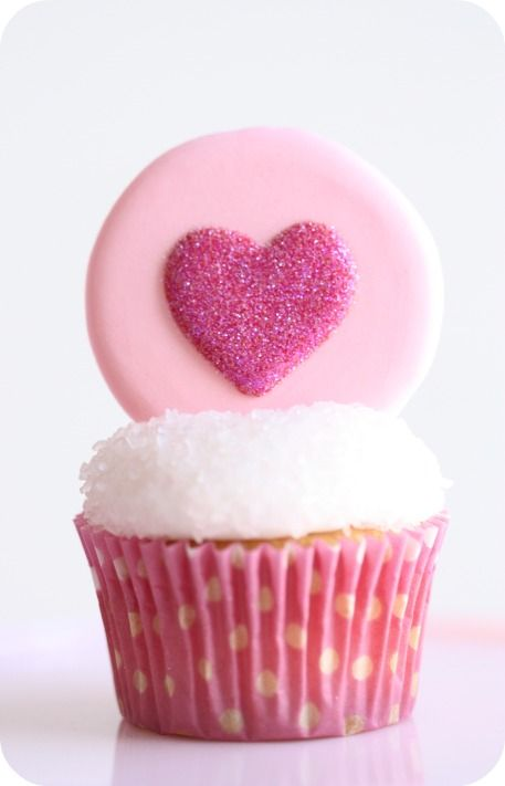 Cute Pink Valentine's Day Cupcakes