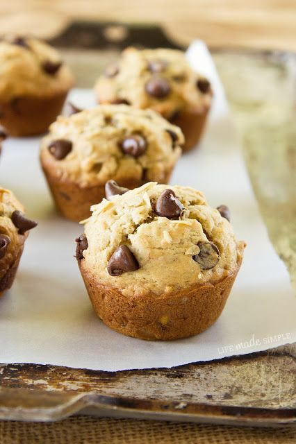 Healthy Oatmeal Chocolate Chip Cupcakes