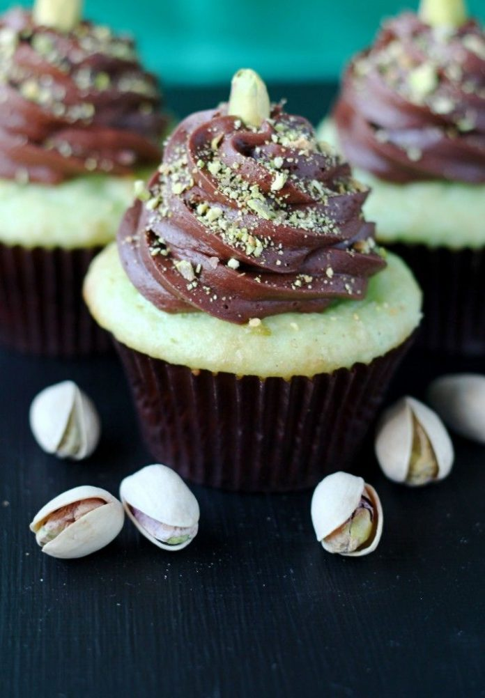 Healthy Pistachio Chocolate Cupcake