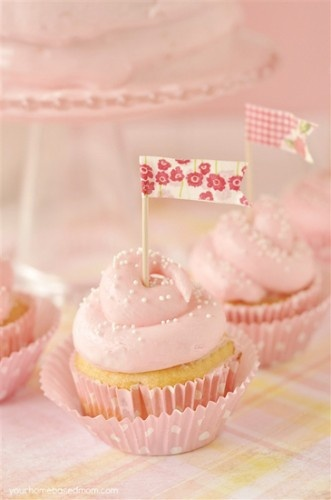 Pink Flag Lemonade Cupcakes