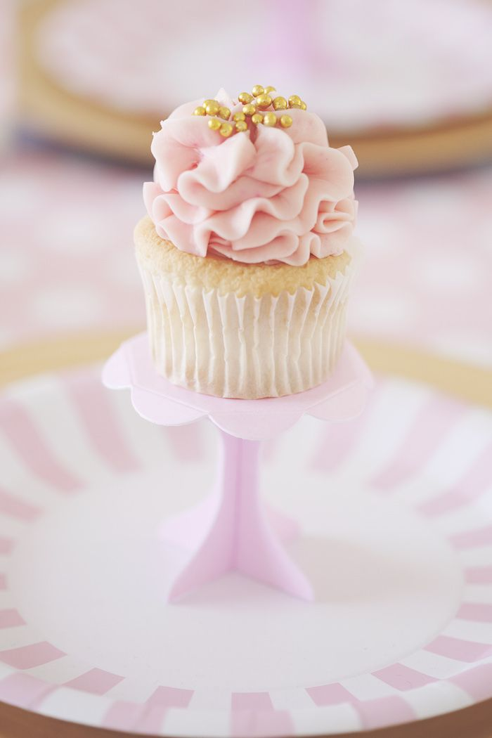 Pretty Pink & Gold Cupcakes
