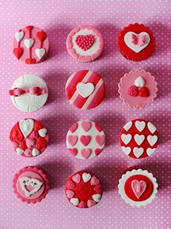 Pretty Valentine's Day Cupcakes