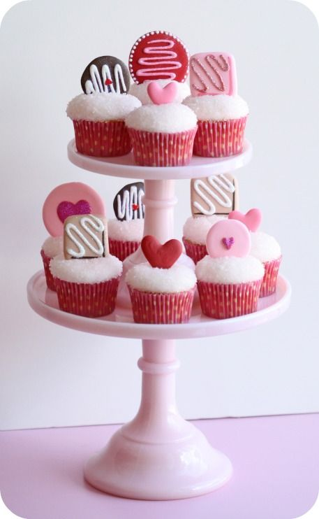 Pretty Valentine's Day Party Cupcakes