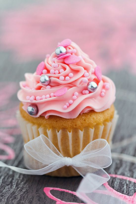 Silver Pearl Gorgeous Pink Cupcakes