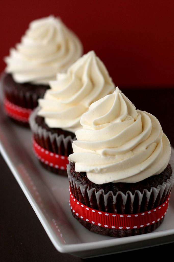 Sweet Vegan Red Velvet Cupcakes
