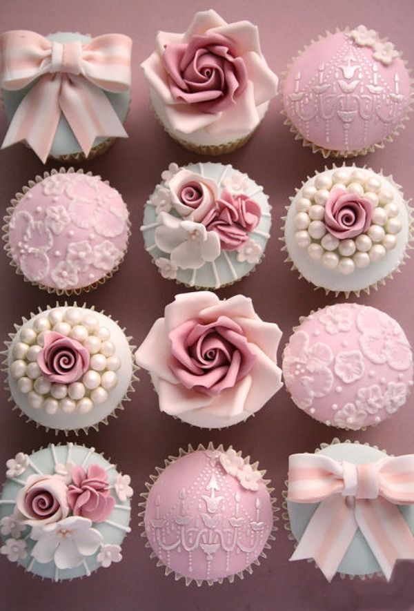 Vintage Decorated Wedding Cupcakes