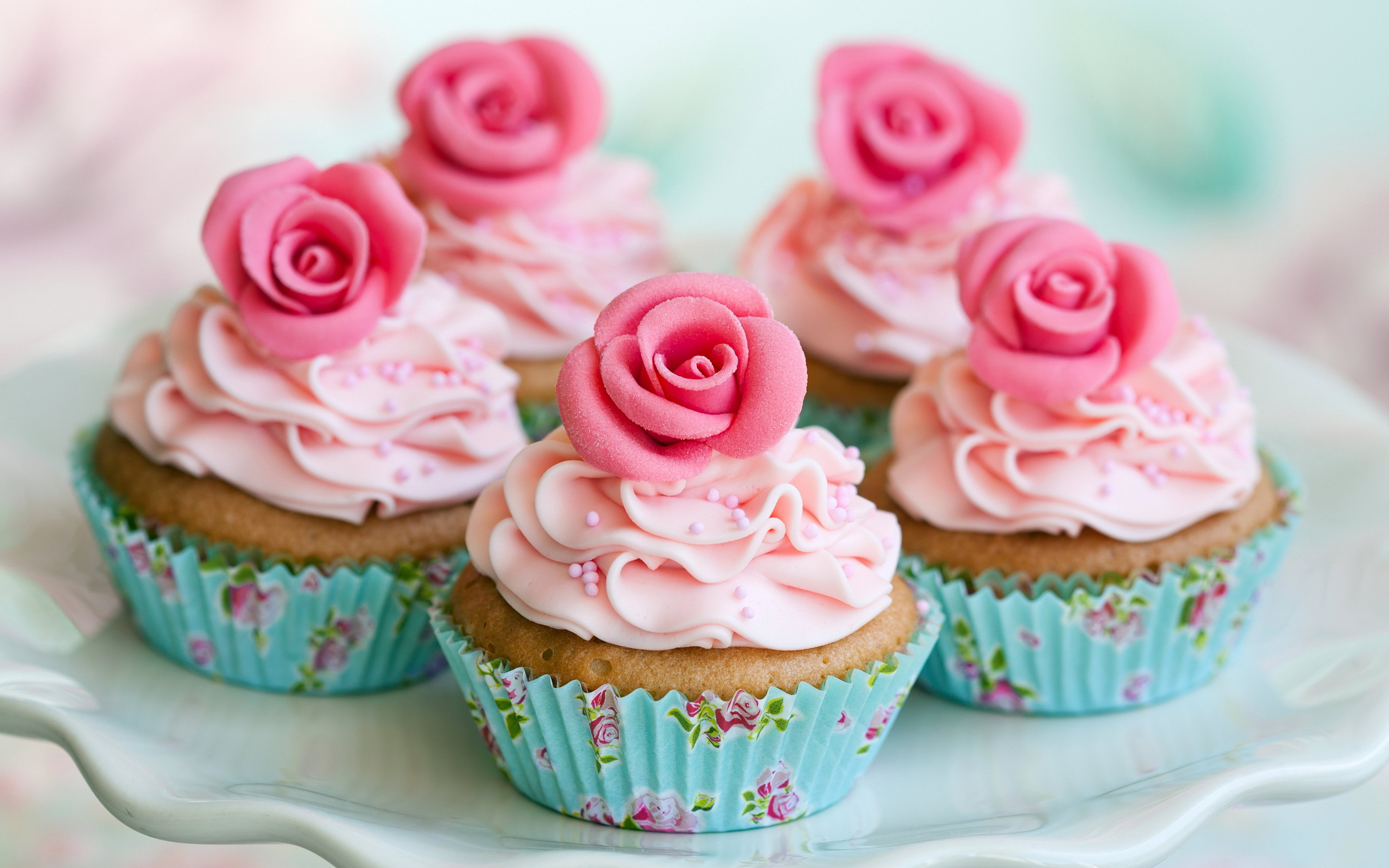 Adorable Little Rose Cupcakes