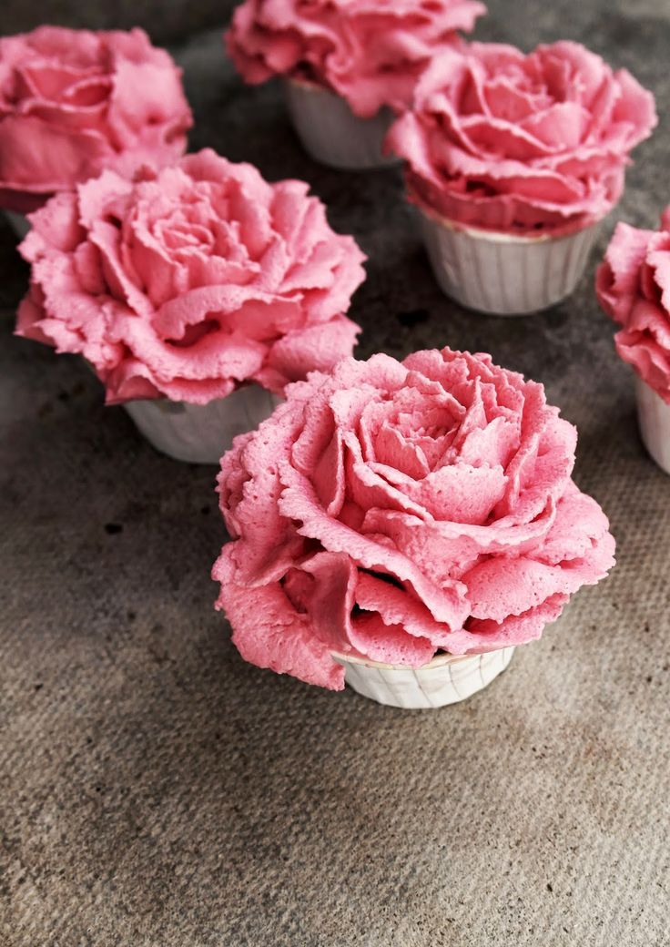 Carnation Pink Roses Cupcakes