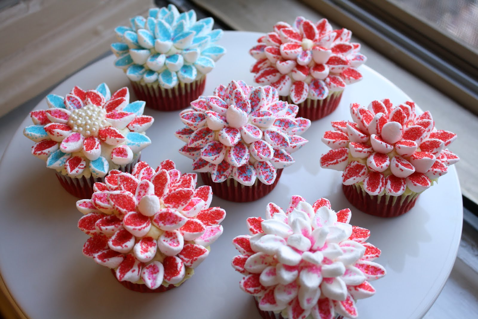 Gorgeous Chrysanthemum Cupcakes