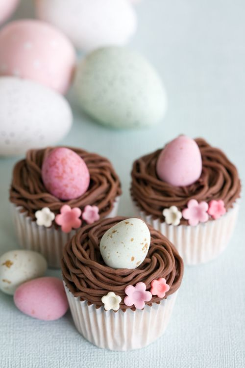 Lovely Easter Egg Cupcakes
