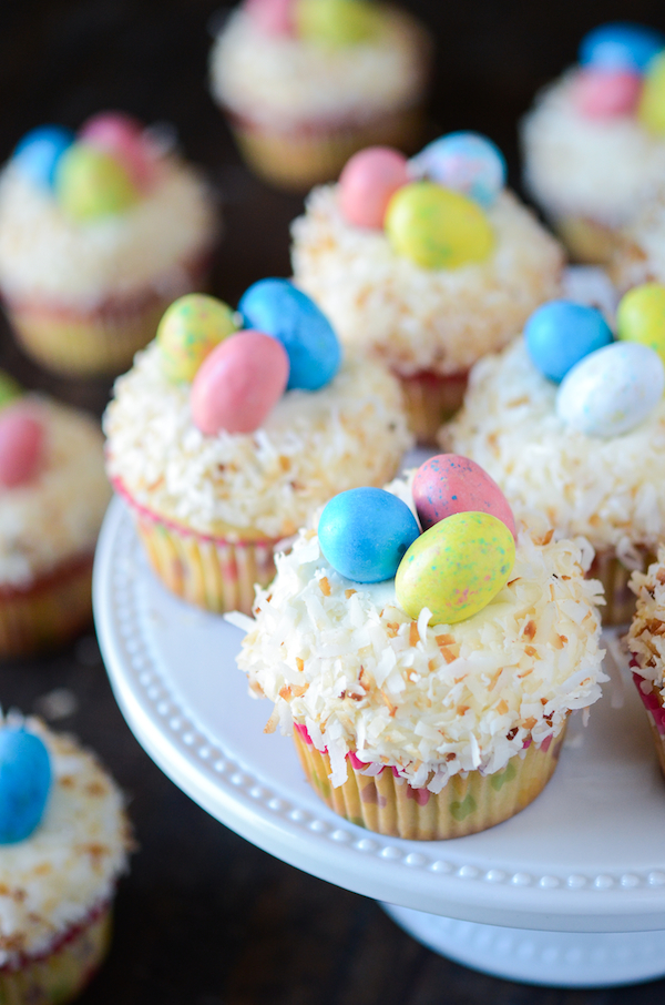 Tricolor Easter Eggs Cupcakes