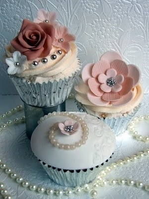 Beautiful Pearl Cupcakes