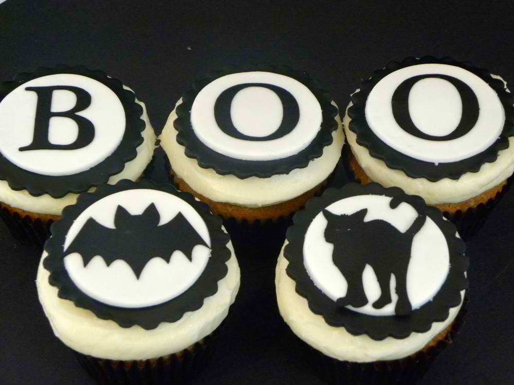 33 Black and White Cupcakes Just for You!