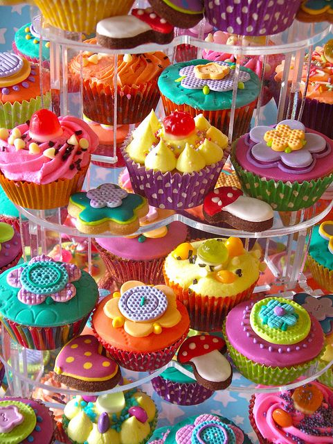 30 Cute Colorful Cupcakes - Cupcakes Gallery
