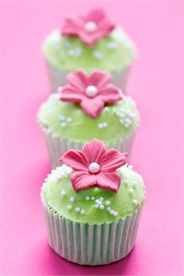 Cute Green and Pink Cupcakes with Pearls
