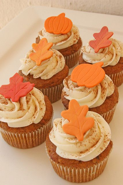 Fondant Leaves Topped Pumpkin Cupcakes