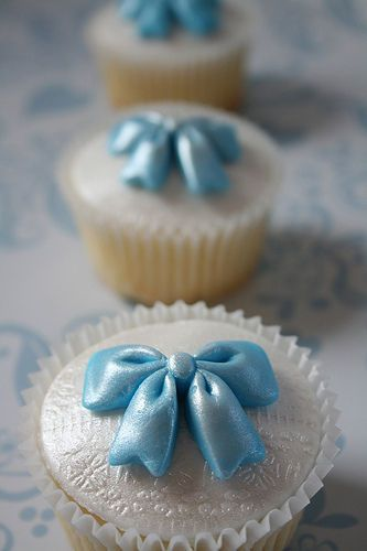 Glowing Blue Bow Cupcakes