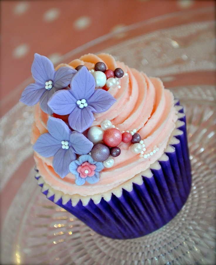 Gorgeous Blue and Peach Cupcakes