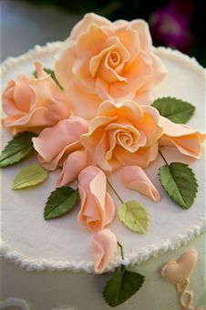 Gorgeous Fondant Rose Cupcake Toppers