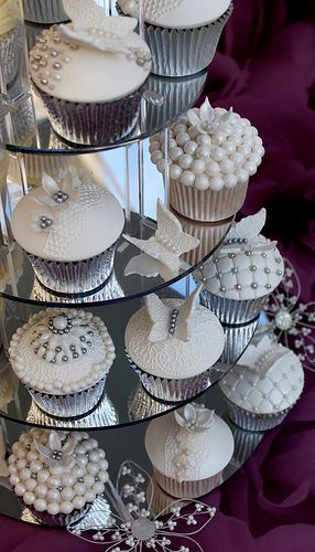 Gray and White Pearls Cupcakes