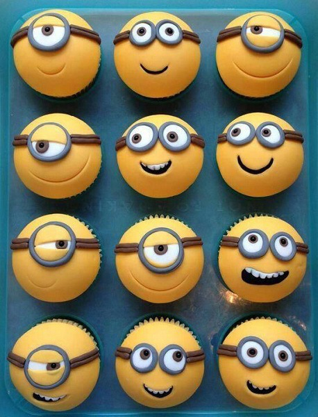 Happy Minion Cupcakes
