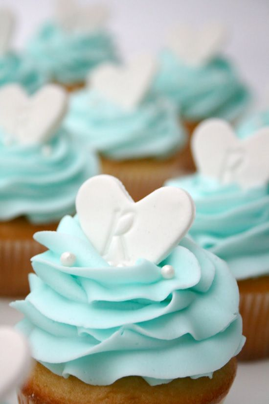 heart topped bridal shower cupcakes
