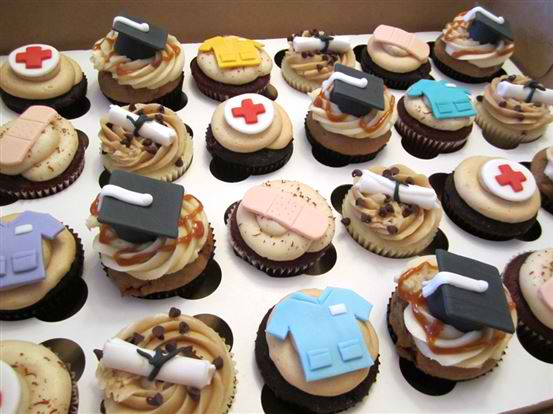 nursing graduation cupcakes