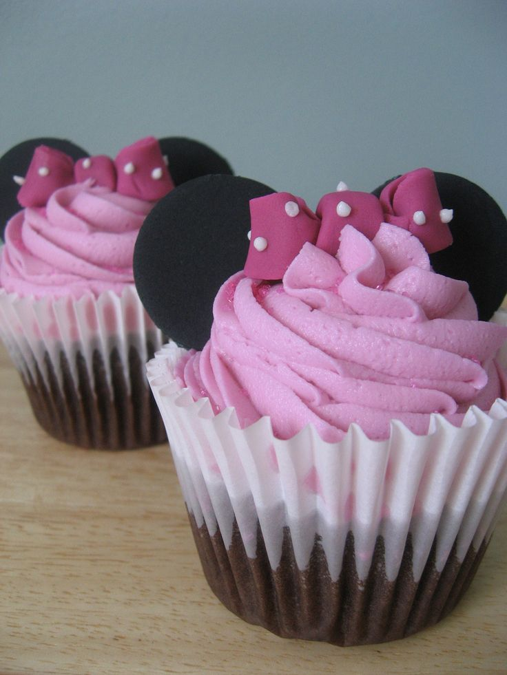 Pretty Mini Mouse Cupcakes