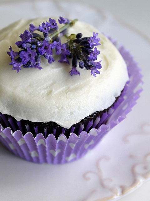 Pretty Purple Lavender Cupcakes