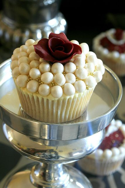 Red Rose and Pearls Cupcakes