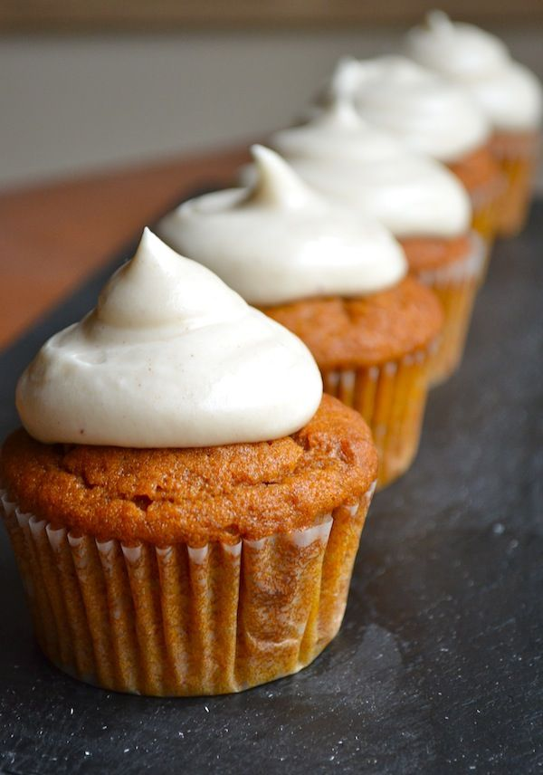 Simple Cinnamon Pumpkin Cupcakes