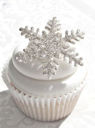 White Chocolate Snowflake Cupcakes