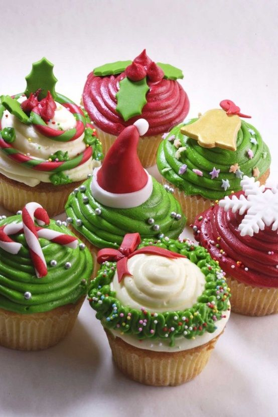 Classic Christmas Cupcakes