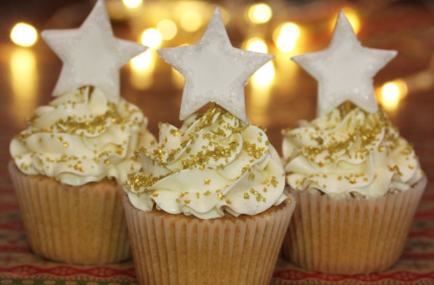 Dazzling Stars Cupcakes