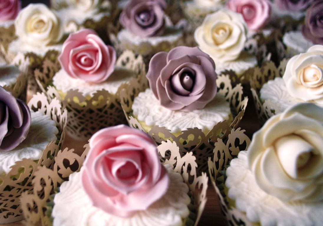 Sophisticated Pastel Roses Cupcakes