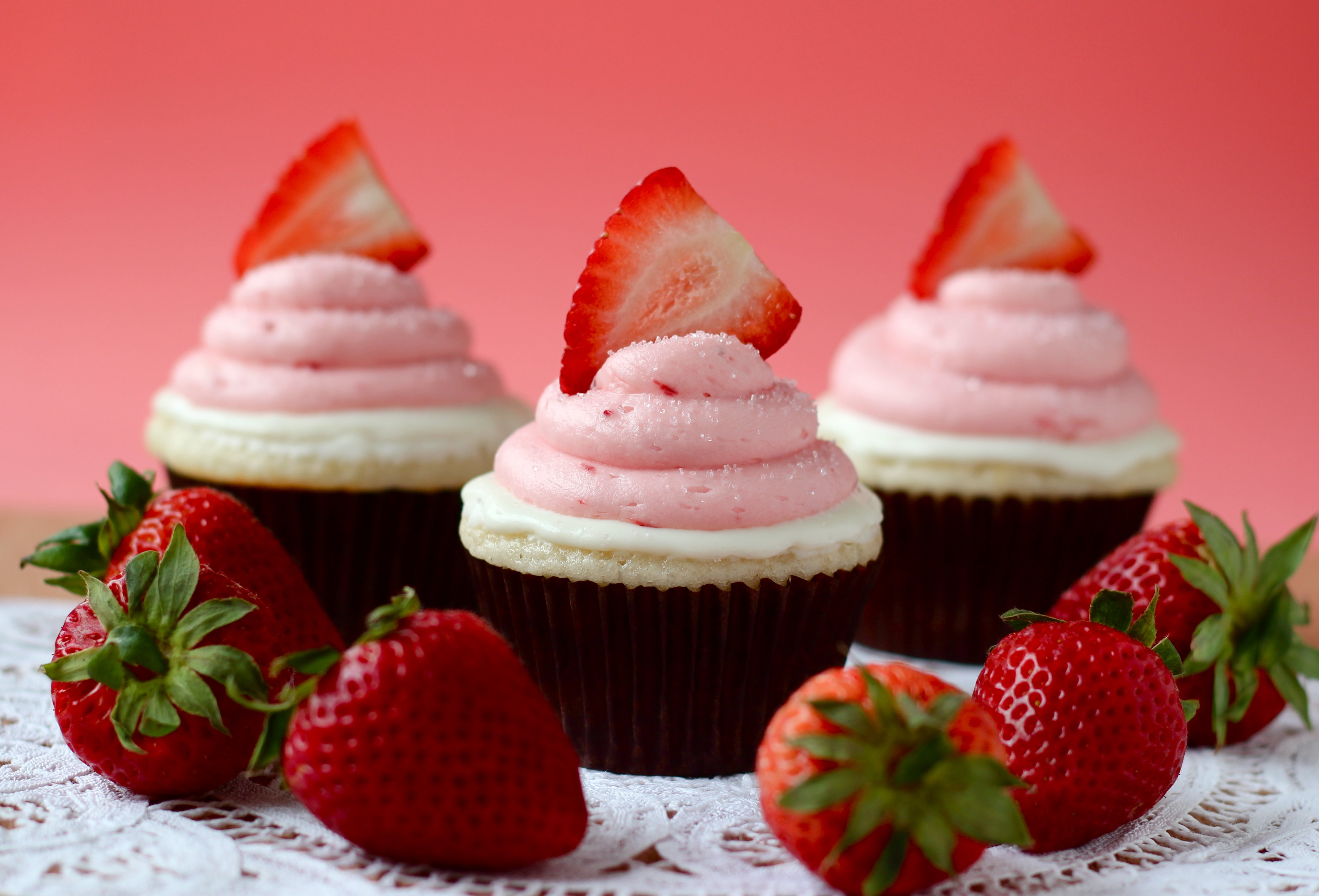 40 Succulent Strawberry Cupcakes