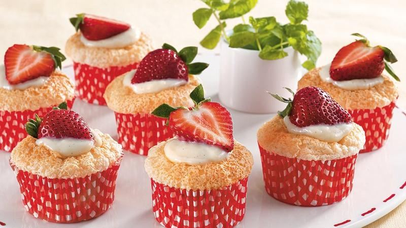 18. Vanilla Stuffed Strawberry Cupcakes