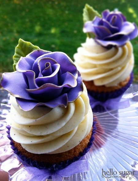 Blue Roses Cupcakes