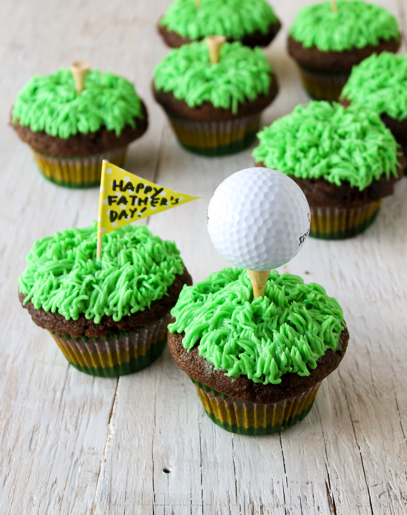 Daddy's Golf Course Cupcakes