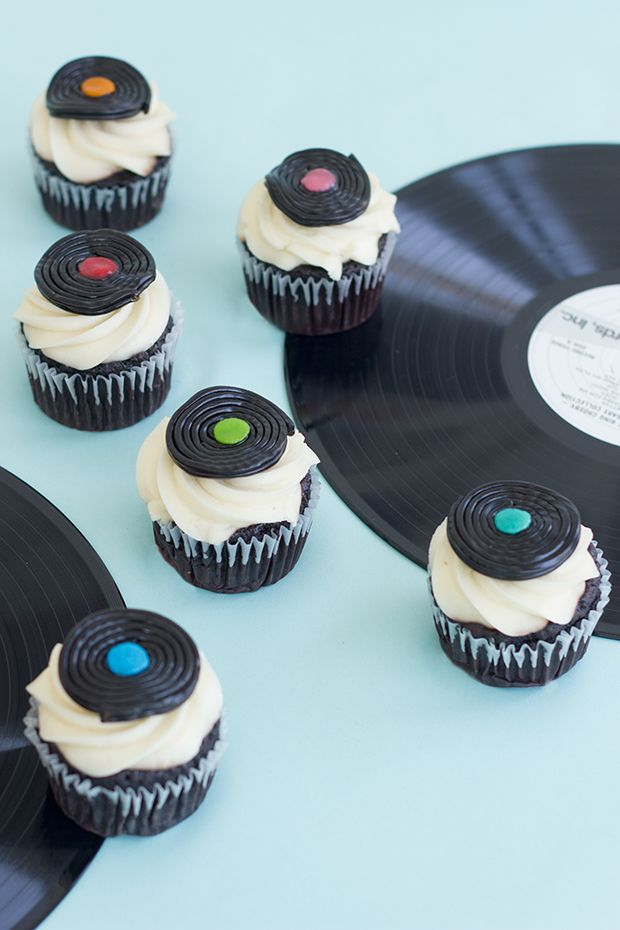 DIY Record Inspired Cupcakes