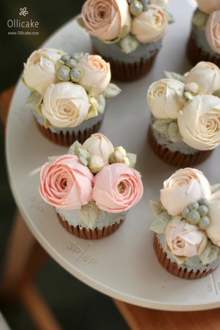 Gorgeous Roses Cupcakes