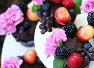Heavenly Berry Cupcakes